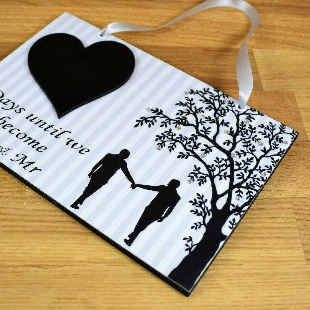Mr /& Mr Wedding Countdown Plaque With Chalkboard Heart Engagement Gift 734